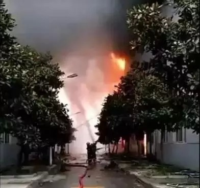 江北地区で爆発